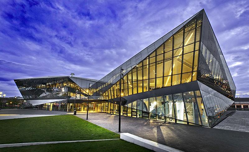 The Crystal (London) - Công trình sử dụng vật liệu xanh tiêu biểu trên thế giới. Nguồn ảnh: Internet.