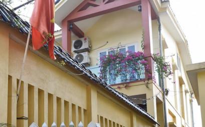 Nhà phía đồi thông
